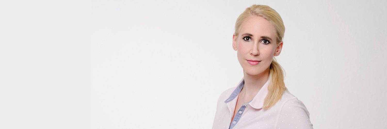 Portraitfoto Dr. Nina Barth Zahnärztin