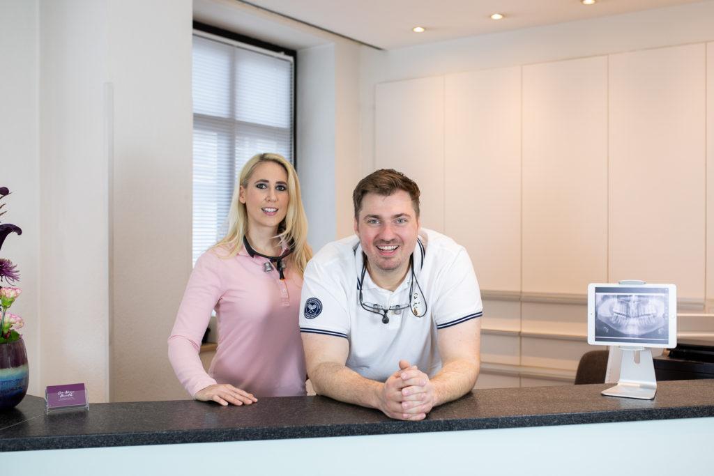 Dr. Nina Barth und Dr. med. dent. Adrian Naumann